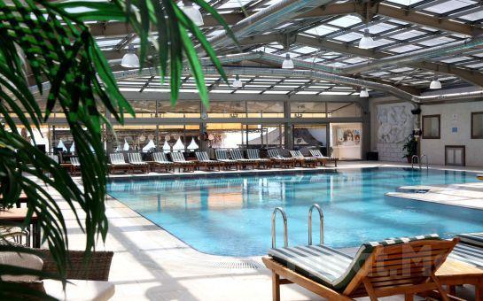 Denize Sıfır Kumburgaz Blue World Hotel'de Kahvaltı, Akşam Yemeği ve Spa Kullanımı Dahil Konaklama Seçenekleri