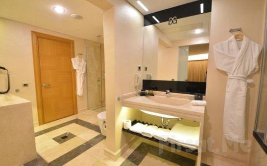 İstanbul Gönen Hotel'de 2 Kişi 1 Gece Konaklama Keyfi, Kahvaltı Seçeneğiyle