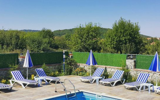 Doğanın Kalbinde Ağva Asmalı Garden Butik Otel'de Kahvaltı Dahil Konaklama Seçenekleri ve Havuz Keyfi