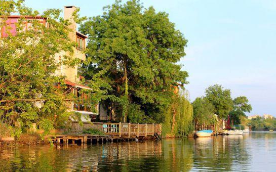 Ağva My Way Otel'de Nehir veya Bahçe Manzaralı Jakuzili veya Şömineli Odalarda 2 Kişi 1 Gece Konaklama ve Kahvaltı Keyfi