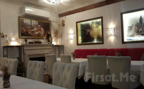 Sirkeci Constantine's Ark Restaurant'ta Sınırsız Çay Eşliğinde Kahvaltı Keyfi