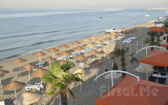 Kumburgaz Ronax Otelde Canlı Müzik Eşliğinde Beach Party Keyfi