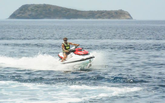 Denize Sıfır Club Blue White Bodrum'da Herşey Dahil Kişibaşı Gece Konaklama