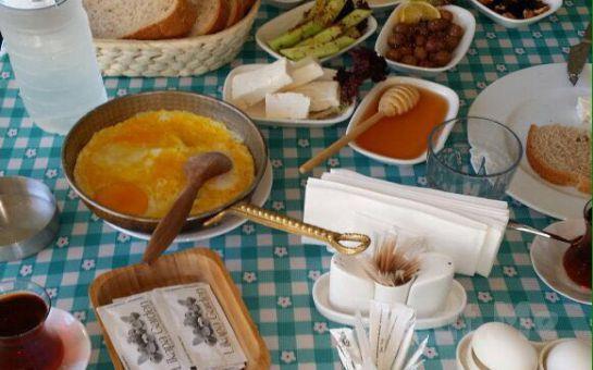 Cumhuriyet Köy Likapa Garden'da Sınırsız Çay Eşliğinde Serpme Kahvaltı Keyfi
