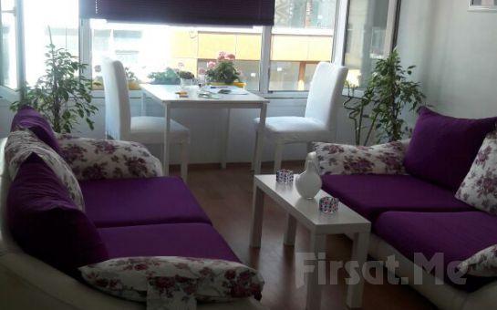 Çarpıcı Bakışlar İçin Kadıköy Beray Estetik ve Güzellik Merkezi'nde İpek Kirpik Uygulaması