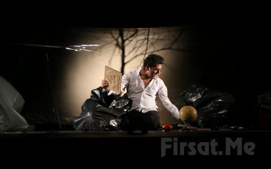 Duru Tiyatro'da Emre Kınay'dan Tek Kişilik Nihayet Bitti Oyununa Biletler