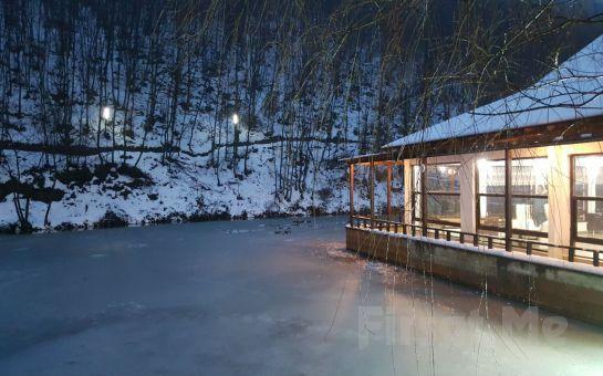 Şile Yeşil Göl Restaurant'ta Göl Kenarında Nefis Kiremitte Alabalık veya Barbekü Menüleri ve Deniz Bisikleti Keyfi!