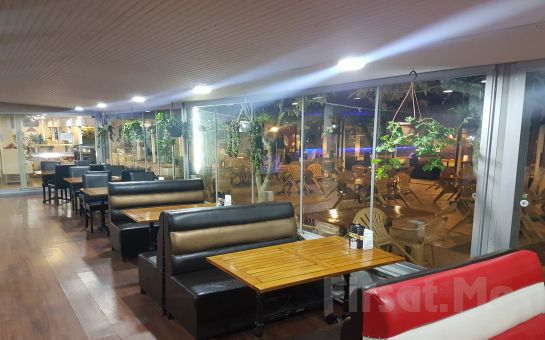 Küçük Çamlıca Beyler Cafe, Restaurant'da Sınırsız Çay Eşliğinde Serpme Kahvaltı Keyfi