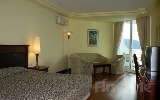 Bodrum Holiday Resort & SPA'da Gidiş Dönüş Uçak Bileti ve Her Şey Dahil Erken Rezervasyon Tatil Paketleri!