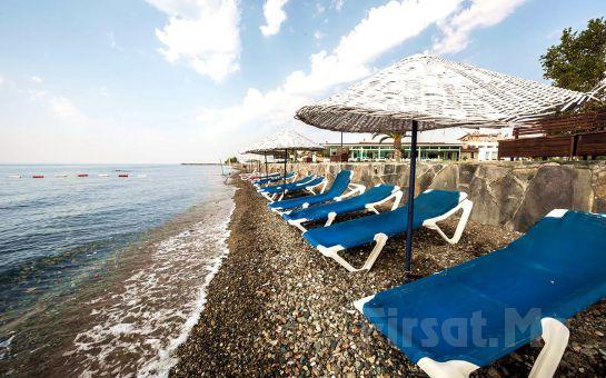 Denize Kenarında Edremit Altıner Hotel'de Yarım Pansiyon Konaklama Keyfi