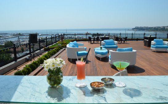 Wyndham Grand İstanbul Kalamış Marina Otel'de Jigger Bar'da 2 Kişilik Canlı Müzik Keyfi veya Konaklama Seçenekleri
