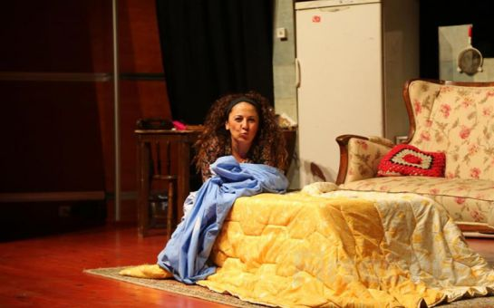 Günay Karacaoğlu'nun Muhteşem Performansı ile Basit Bir Ev Kazası Tiyatro Oyun Biletleri