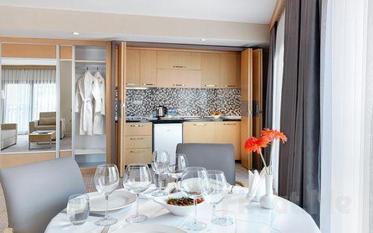 İzmir Kordon Otel Çankaya'da Konaklama ve Kahvaltı Keyfi