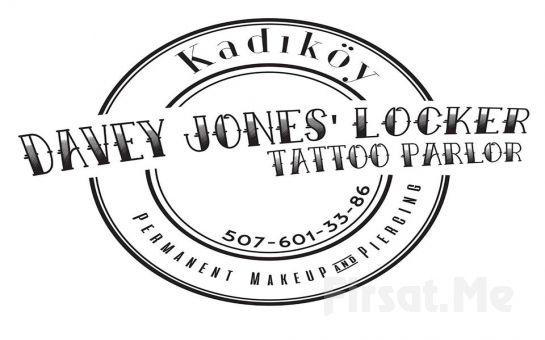 Kadıköy Davey Jones' Locker Tattoo Parlor'da 5*5 cm Boyutlarında Realistik ve Portre Dışında İstediğiniz Renk ve Modelde Dövme!
