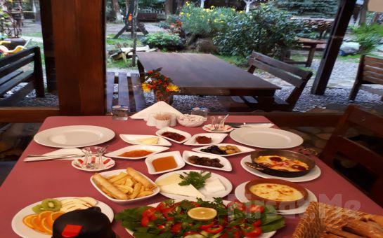 Sapanca Gönül Sofrası Restaurant'da, Doğanın Güzelliği İçerisinde Enfes Lezzetlerden Oluşan Sınırsız Serpme Köy Kahvaltısı