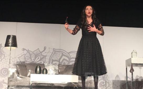Füruzan Asena Ongan ile Öykü Gürman'ın Oynadığı Plastik Aşklar Tiyatro Oyun Bileti
