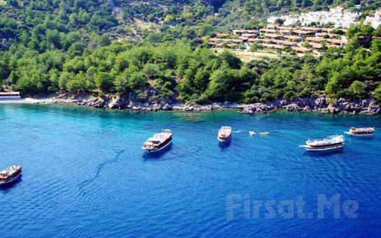 Marmaris'te Öğle Yemeği ve Sınırsız Yerli İçecekler Dahil Tekne Turu (Akşam Yemeği dahil Moonlight Cruise Hediye)