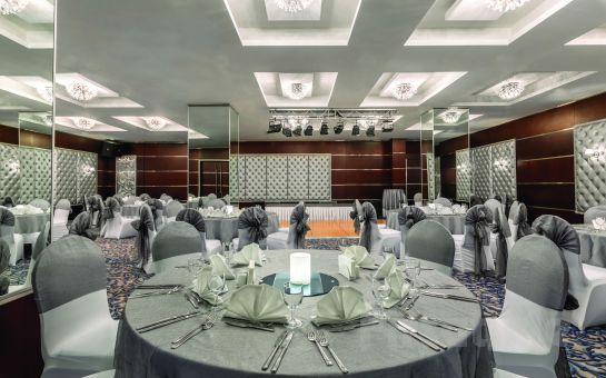 Ankara'nın Merkezinde Ramada Hotel'de 2 Kişi 1 Gece Konaklama Keyfi Kahvaltı Seçeneğiyle!