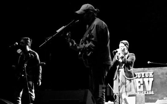 Beyrut Performance Kartal Sahne'de 26 Mayıs'ta BÜYÜK EV ABLUKADA: FIRTINAYT  Konseri Giriş Bileti