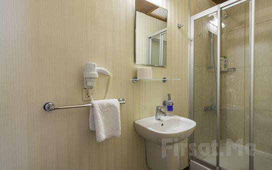 Büyükada Anastasia Meziki Otel'de Confort Odalarda Konaklama Seçenekleri