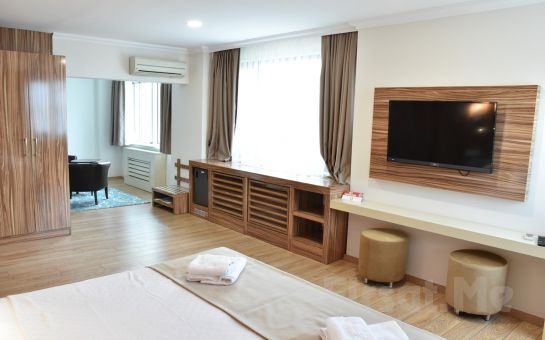 Yelkenkaya Otel Darıca'da Kahvaltı Dahil 2 Kişilik Denize Sıfır Konaklama Keyfi!