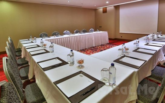 Adelmar Hotel Şişli'de Standart veya Deluxe Odalarda Konaklama Keyfi Kahvaltı Seçeneğiyle
