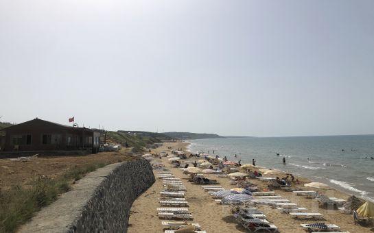 Kilyos Bamboo Beach'de, Tüm Gün Plaj Girişi, Şezlong, Şemsiye Fırsatı