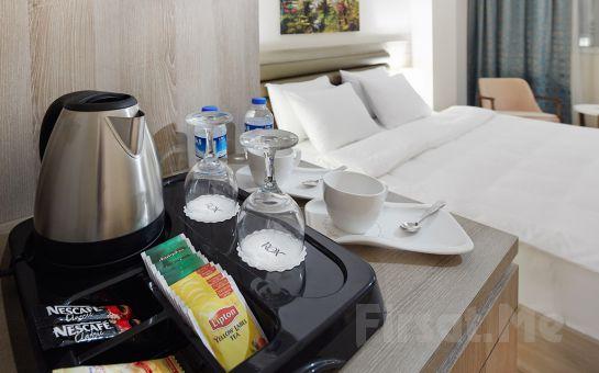 Yenibosna'da Rox Hotel Airport'ta Konaklama ve Kahvaltı Keyfi