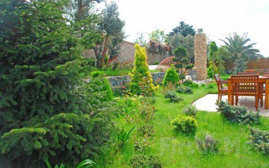 Bahçelievler Yenibosna Kadak Garden Hotel'de Yarı Olimpik Havuz Girişi