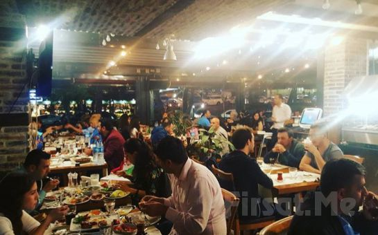 Koşuyolu'nda Adana Lezz Et Kebap'tan Kadınlara Özel Altın Günü Eğlencesi