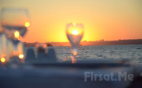 İstanbul Yelken Kulübü Kadıköy'de Denize Sıfır İskelede Balık Menü