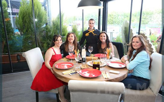 Bakırköy Seaside Bistro'da Her Hafta Sonu 75 Çeşitten Oluşan Açık Büfe Kahvaltı Keyfi!
