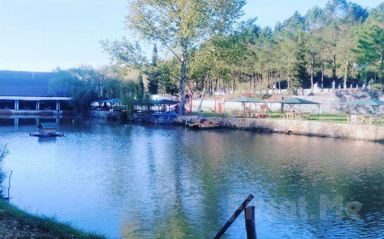 Şile Yeşil Göl Restaurant'ta Göl Kenarında Köfte veya Saç Kavurma Menüleri ve Deniz Bisikleti Keyfi