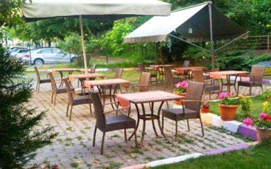 Ataşehir Cousin Restaurant'ta 45'lik Plaklar Eşliğinde Enfes Serpme Kahvaltı Keyfi