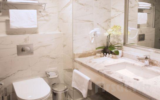 Şişli My Bade Hotel'in Modern ve Şık Odalarında 2 Kişilik Konaklama ve Kahvaltı Seçenekleri