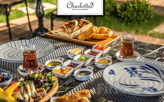Kuşadası Marina Hotel Charlotte's Bake House, Bistro'da Sınırsız Çay eşliğinde Leziz Serpme Kahvaltı Keyfi