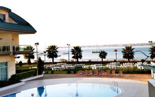 Bayramoğlu Hegsagone Marine Asia Otel'de Deniz Manzaralı Odalarda 2 Kişilik Konaklama Seçenekleri