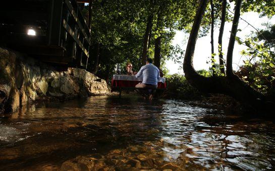 Saklı Cennet Maşukiye Irmak Alabalık Tesislerinde Zengin İçerikli Serpme Kahvaltı Keyfi!