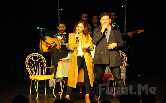 Emre Kınay Performansı ile İKİ BEKAR Tiyatro Oyunu Biletleri