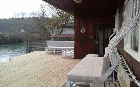 Nehir Manzaralı Ağva Vira Creek House Hotel'de Nehir Kenarı Bungalowlarda 2 Kişlik Konaklama ve Kahvaltı Keyfi