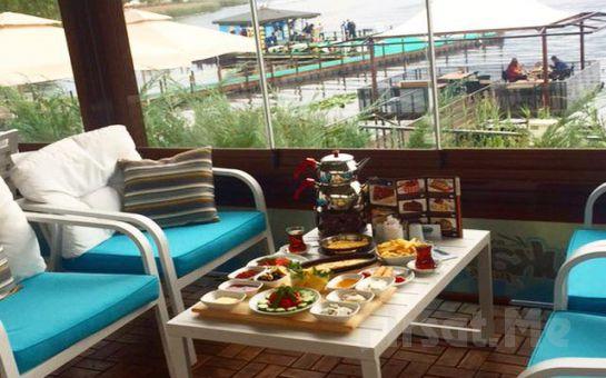 Sapanca Gölü Kartepe Sukay Park'ta Göl Manzarası Eşliğinde Serpme Kahvaltı Keyfi veya Deniz Traktörü Turu