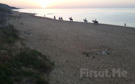 Atlıtur Gümüşdere Plajı Tesislerinde Sahilde At Binme Deneyimi