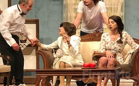 Ayşen Gruda'nın Muhteşem Performansı ile 40'ından Sonra Tiyatro Oyun Bileti
