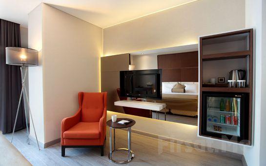 Şişli İstanbul Dora Hotel'de 2 Kişi 1 Gece Konaklama ve Kahvaltı Keyfi