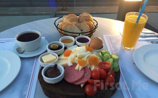 Boğaz Manzaralı Üsküdar Askadar Restaurant'ta Sınırsız Çay Eşliğinde Serpme Kahvaltı Keyfi