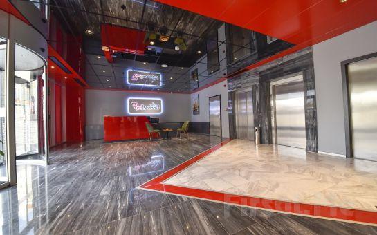 Redİstanbul Hotel Ataşehir'de 2 Kişi 1 Gece Konaklama Keyfi ve Kahvaltı Keyfi
