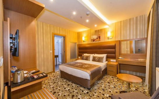 İstanbul Regno Hotel Şişli'de Çift Kişilik Konaklama ve Kahvaltı Keyfi