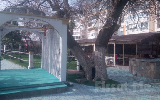 Bayraklı Keyf'im Şahane Fasıl'da Hafta Sonlarına Özel 2 Kişilik Serpme Kahvaltı Keyfi