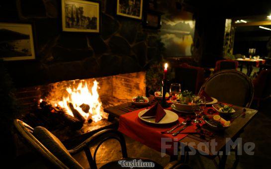 Boğaza Nazır Taşlıhan Restaurant'ta Zengin Menü Seçenekleri ile Sevgililer Günü Yemeği