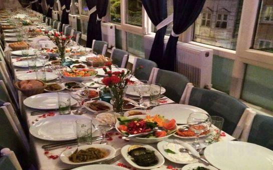 Levendiz Arnavutköy Meyhanesi'nde Canlı Müzik, Fasıl ve Leziz Menü eşliğinde Sevgililer Günü Kutlaması!
